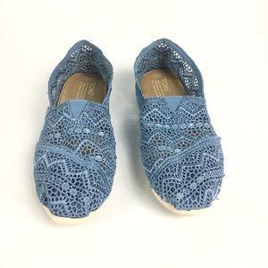 TOMS Crochet Slip-On Women's Size 7 light Blue